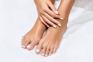 Manucure et soins des pieds en institut de beauté hommes et femmes à Paris, produits Bio